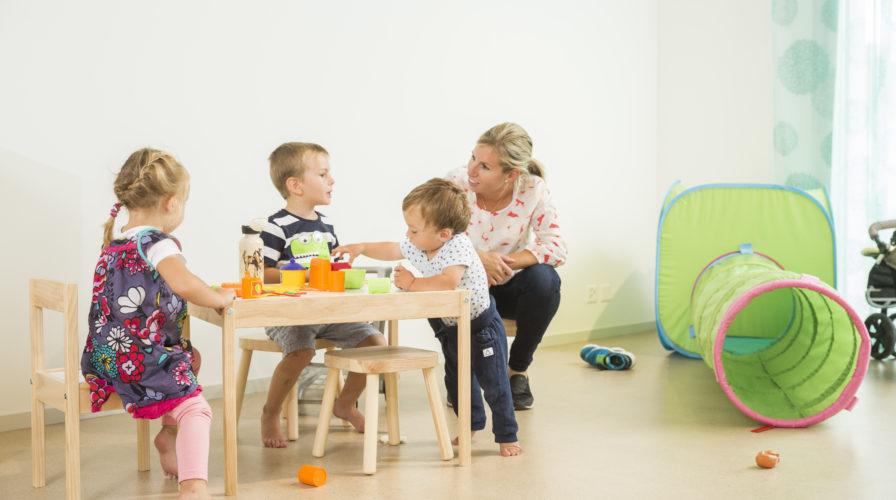 Kinderbetreuung und Fitnessbereich